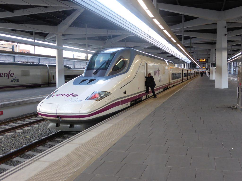 Estación tren Ave Valencia