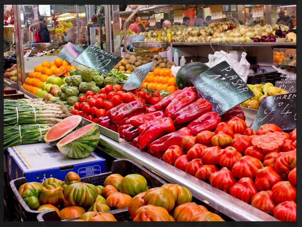Puestos de verduras -tomates valencianos